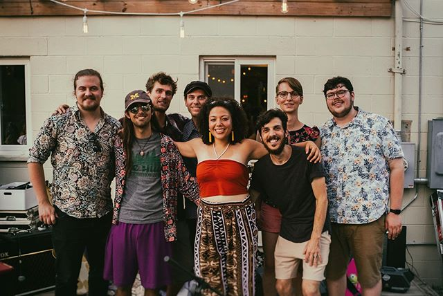 ✨Making music with these folks is a dream!!!✨ Catch us next on Tuesday 8/13 supporting @valipalamusic with @modern_element at @pjslagerhouse ❤️🥭