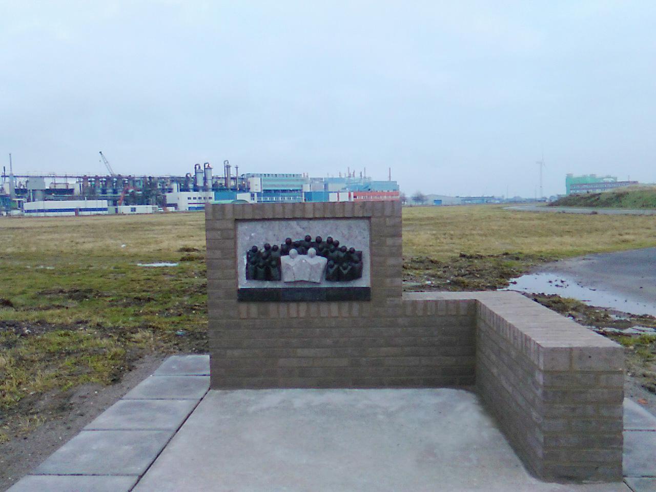 Monument Thermphos, Vlissingen-Oost