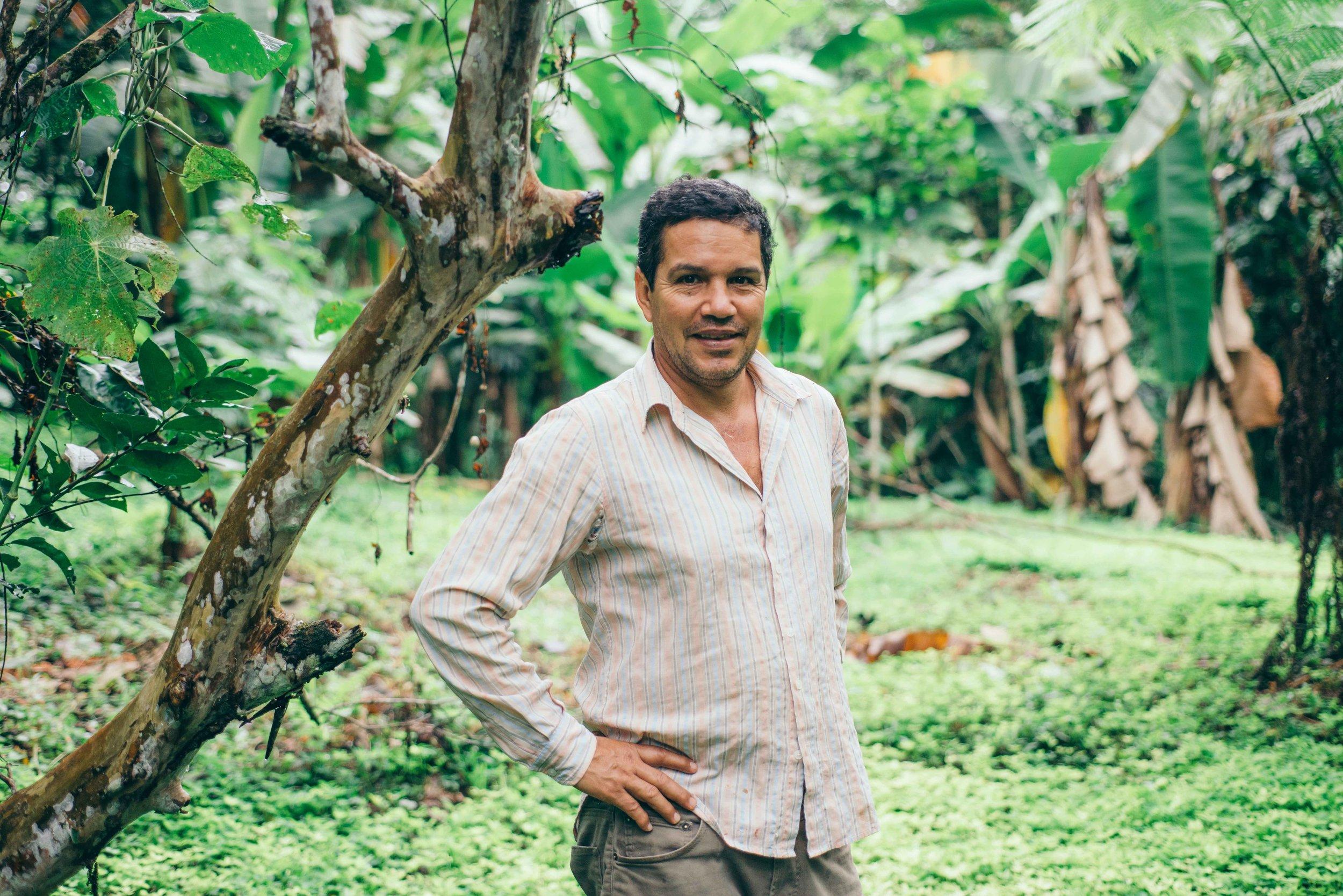 Aquiles Muñoz in the nature reservar reforested with his passion and deep care for Nature.///Aquiles Muñoz im Naturreservat, das mithilfe seiner Leidenschaft und Fürsorge für die Natur aufgeforstet wird.