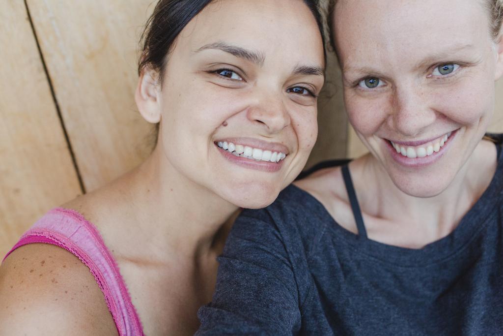 Autorin des Projekttagebuches Rose (links) mit Fotografin Hanna.