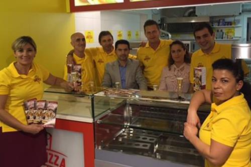 cono-pizza-lieferservice-friedrichshafen-team.png