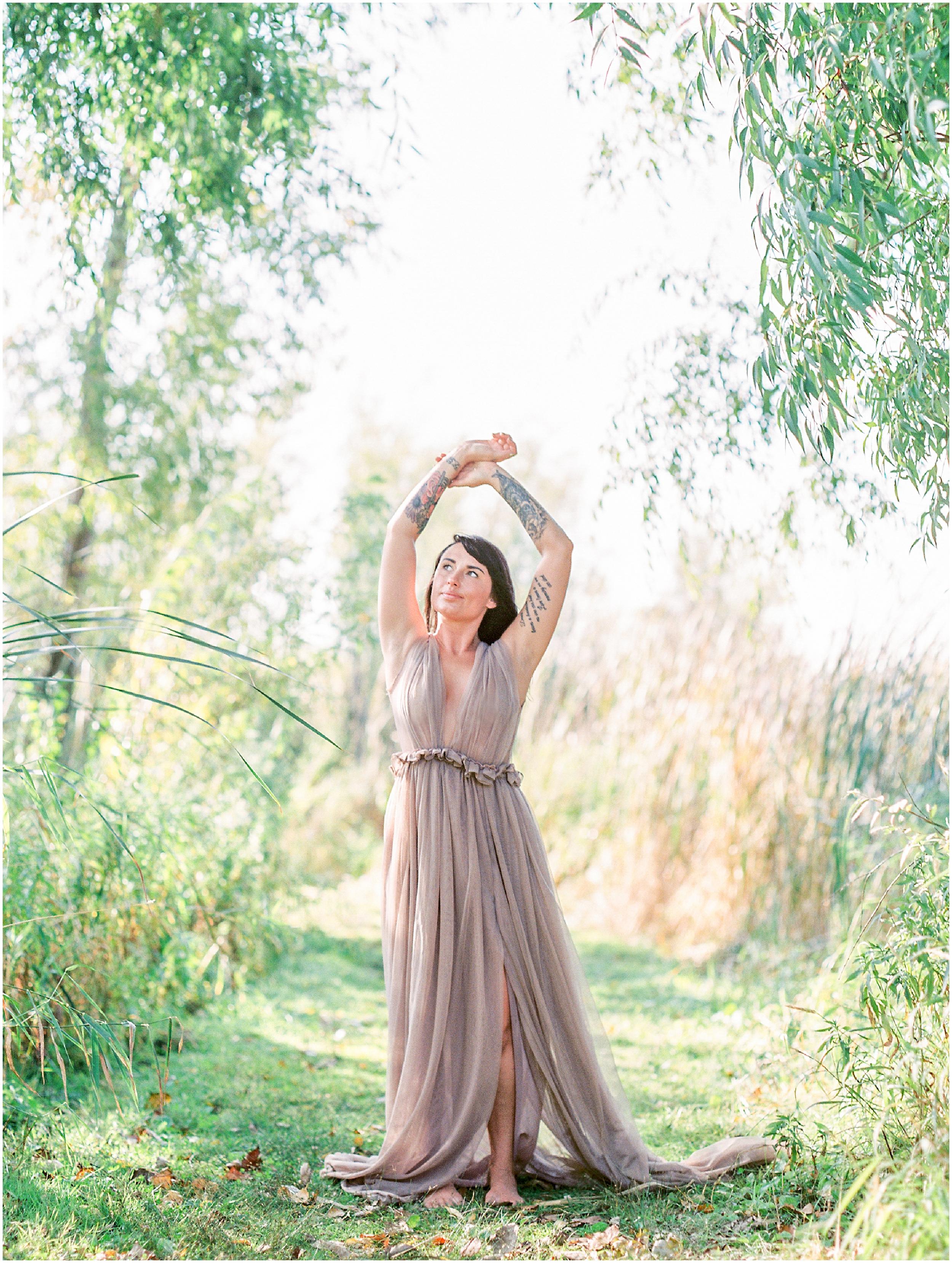 Natural Outdoor Boudoir Session at the Prairie- Lisa Silva Photography- Jacksonville, Florida Fine Art Film Wedding Photography_0035.jpg