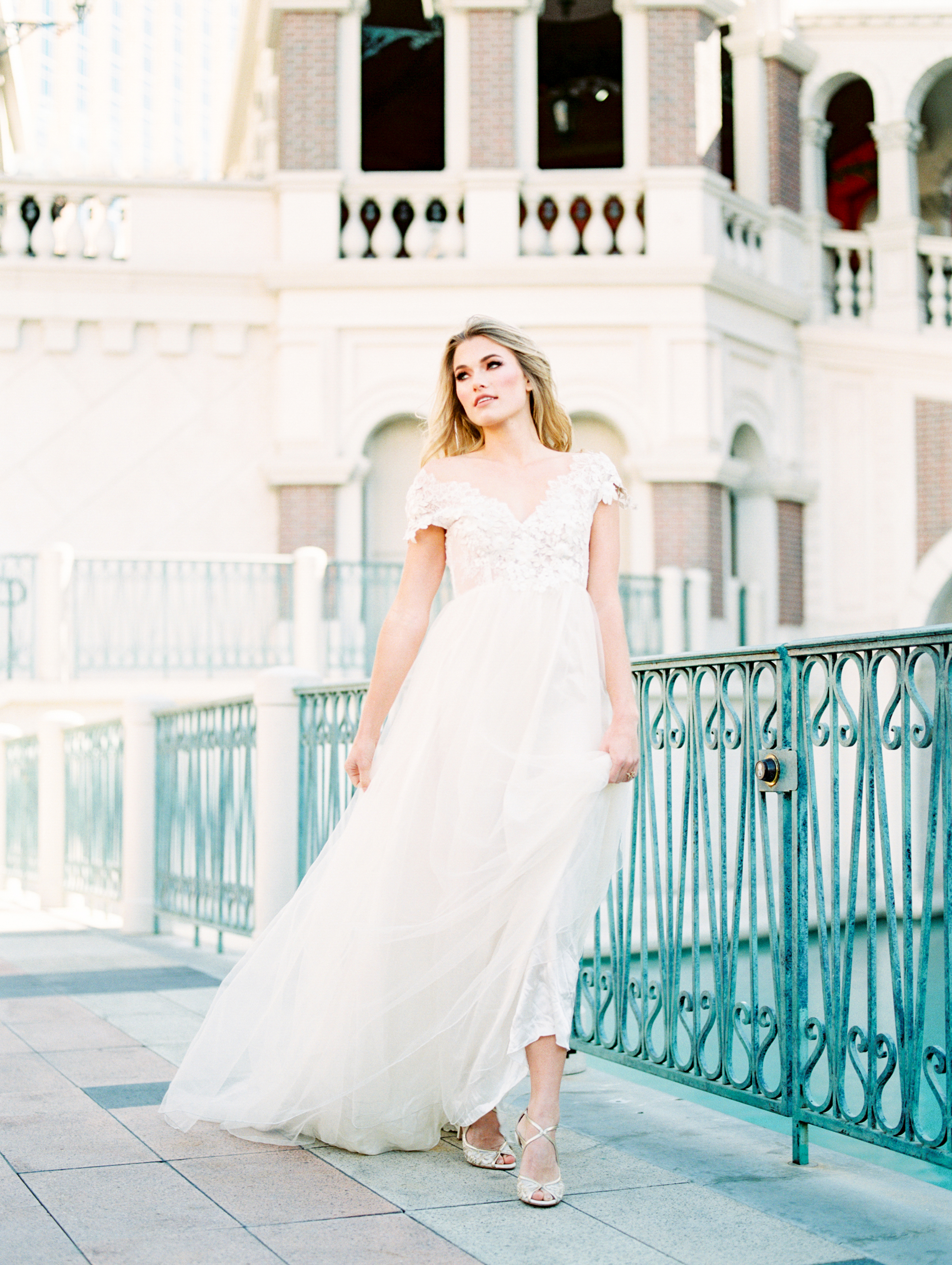 Waking Up in Vegas Editorial- Lisa Silva Photography-43.jpg