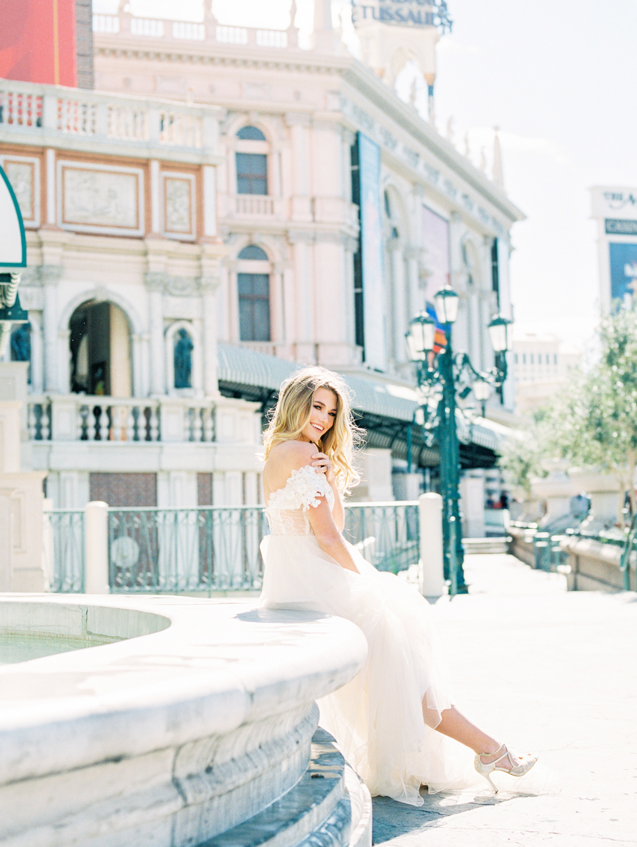Waking Up in Vegas Editorial- Lisa Silva Photography-51.jpg