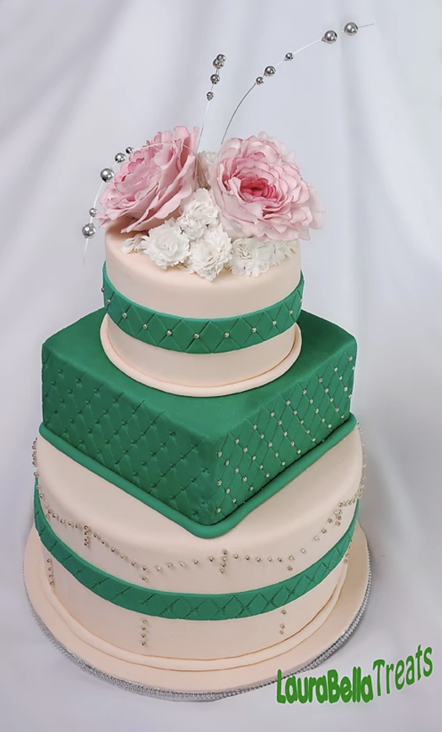 Green and Pink Square Cake.png