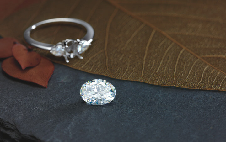 Ready to start shopping for an oval diamond?  Contact us !
