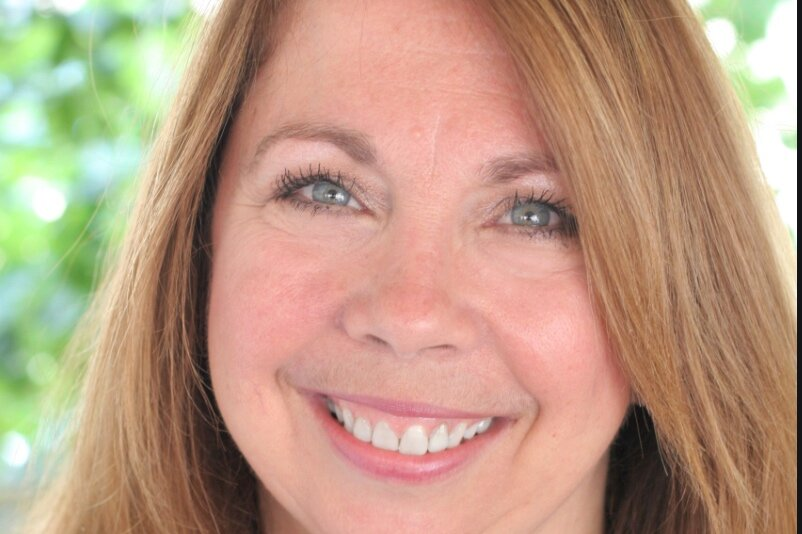 Cathy Cochran-Lewis    With 14 years in global retail marketing, public relations and community relations with Whole Foods Market, Cathy Cochran-Lewis now serves as Communications and Operations Director for Whole Kids Foundation, a Whole Foods Market foundation.  She is co-founder of the Austin Chapter of Les Dames d'Escoffier, and also co-founded the Austin Food & Wine Alliance in 2012, where she continues to serve on the board.Other accomplishments include: Director of the International Association of Culinary Professionals (IACP), the world's largest membership-based culinary organization, for seven years and board president in 2009 – 2010; serving as a multi-year judge for both the James Beard Foundation's restaurant and chef awards, as well as the International Association of Culinary Professionals cookbook awards.
