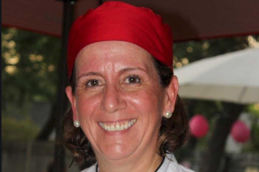 Maria Candil    Originally from Madrid, Spain, Fer learned to cook Spanish food at an early age. She developed her cooking talents attending culinary programs and learning with professional Chefs. She started teaching cooking classes 12 years ago. Even though she has a law degree, her passion has always been connecting with people.