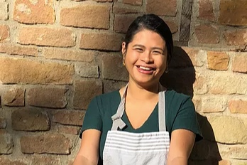 Monique Santua    Monique Santua is a Personal Chef focused on creating seasonal, sustainable, and locally sourced meals for Austin families and individuals with her company, Gastromonique. Born in the Philippines and having grown up in Houston, Monique is inspired by international flavors and loves sharing the story of her culture through food. When she isn't crafting new flavors in the kitchen, she spends time working in the garden, traveling to new places, and enjoying Austin with friends family and her dog, Zephyr