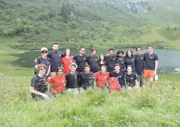 The author and her fellow EPFL SRP 2017 students on their first hike.