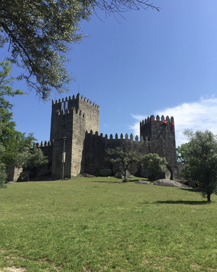 Guimarães Castle:the birthplace of Portugal