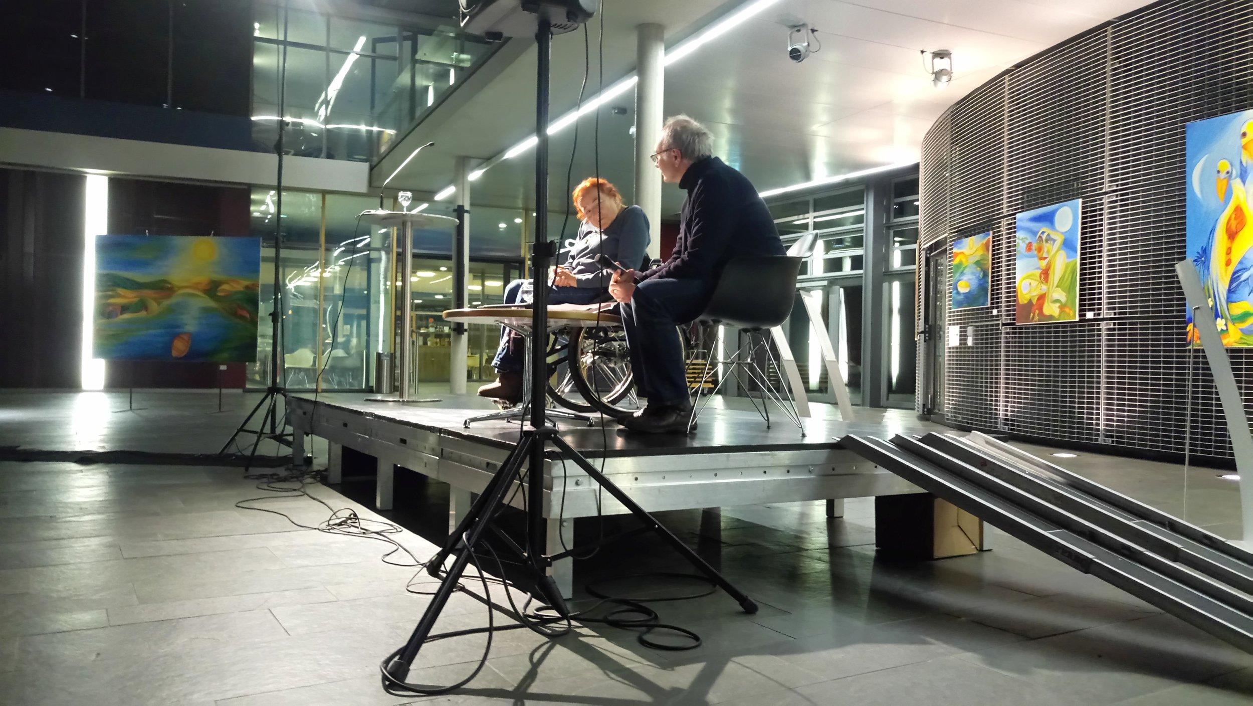 Der Veranstalter, Herr Dr. Wolfgang Sannwald,  im Gespräch mit Anne-Marie Salome Brenner