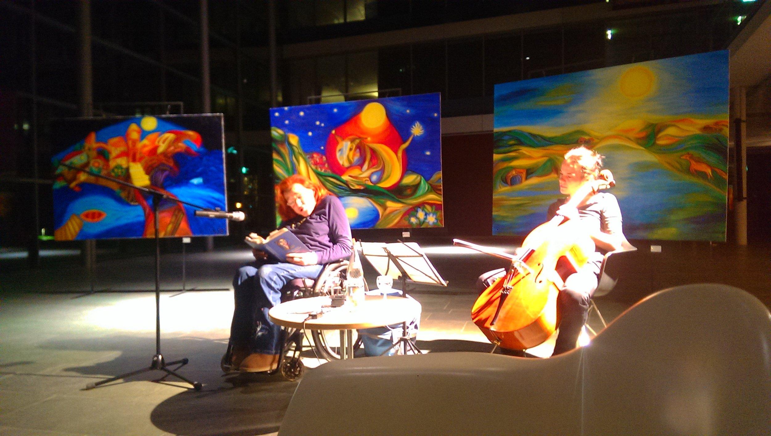 Lesung - Anne-Marie Salome BrennerMusik: Elisa Herbig (Violoncello)28.11.2017 in der Glashalle des Landratsamts Tübingen