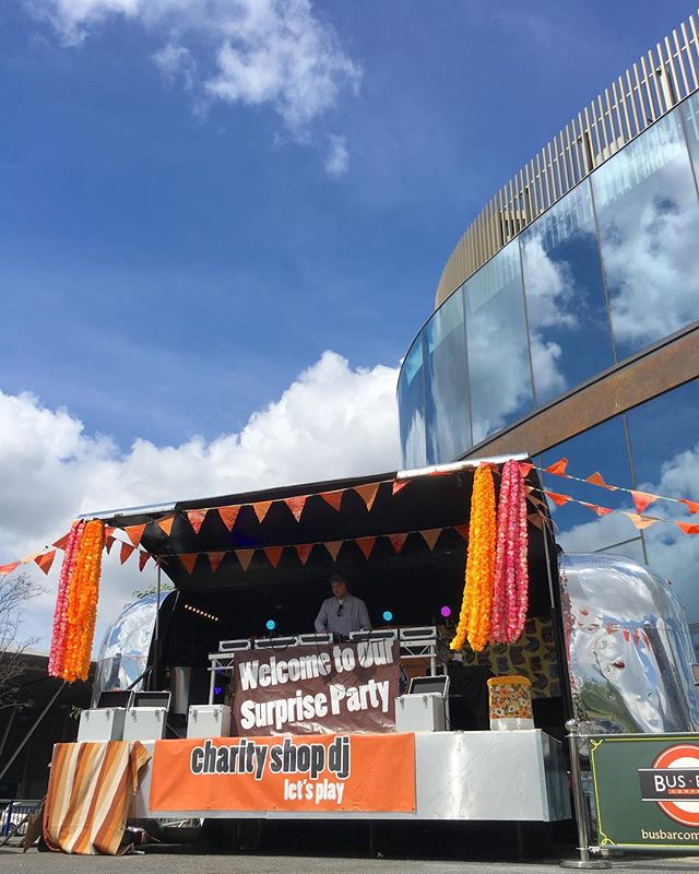Fun Fun Fun in the sun with @charityshopdj today at the @urbanvillagefete. Come down and have a delve through the boxes and be the DJ..! Urban Village Fete, Greenwich Peninsula. #airstreamstage #vintage #urbanvillagefete2017
