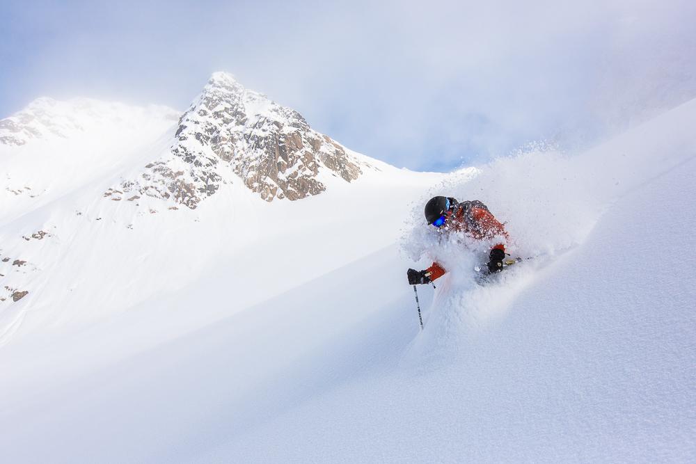 powderbird-greenland-heli-skiing27.jpg