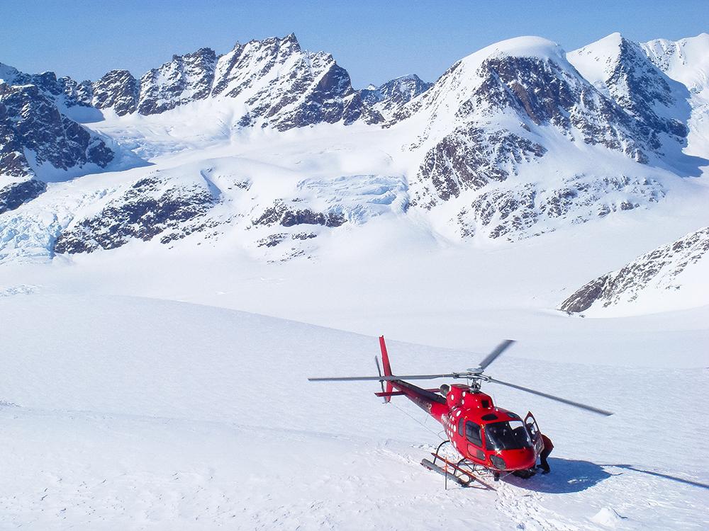 powderbird-greenland-heli-skiing14.jpg