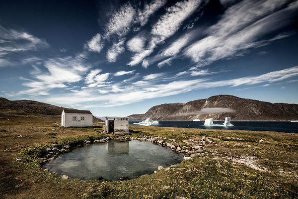 A view over the Uunartoq hot springs in South Greenland.jpg