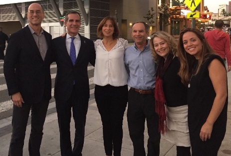 Los Angeles Mayor, Eric Garcetti with the Zinner Consultants team before his plenary session