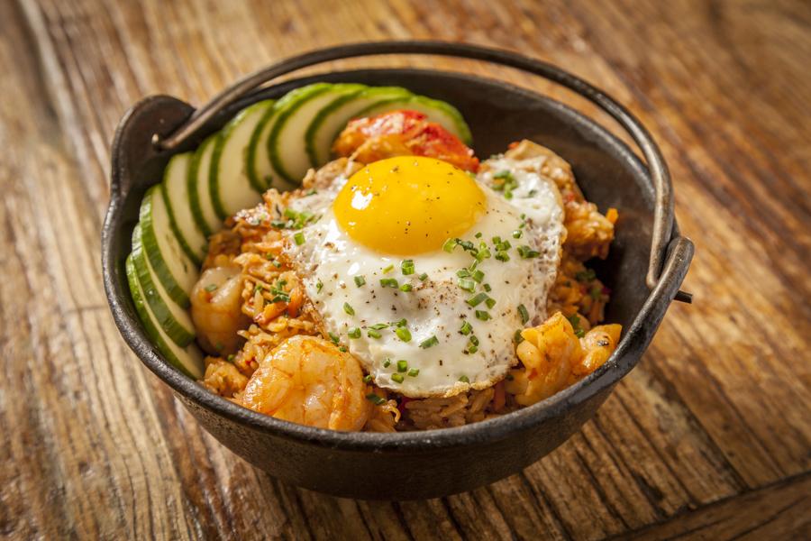 Sunda - $$, River North, Asian Fusion, Sushi, Vegetarian, Vegan, Gluten-free, Sidewalk Seating, Delivery