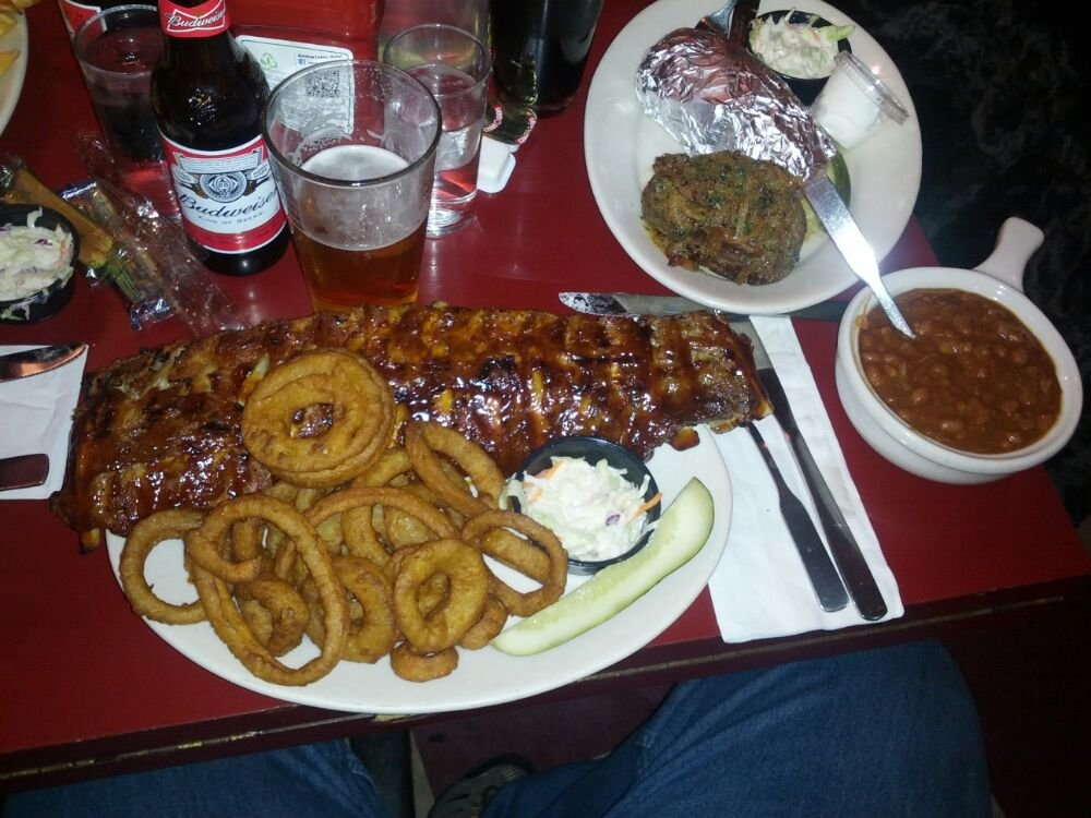 Twin Anchors - $$, Old Town, BBQ, Sidewalk Seating, Delivery