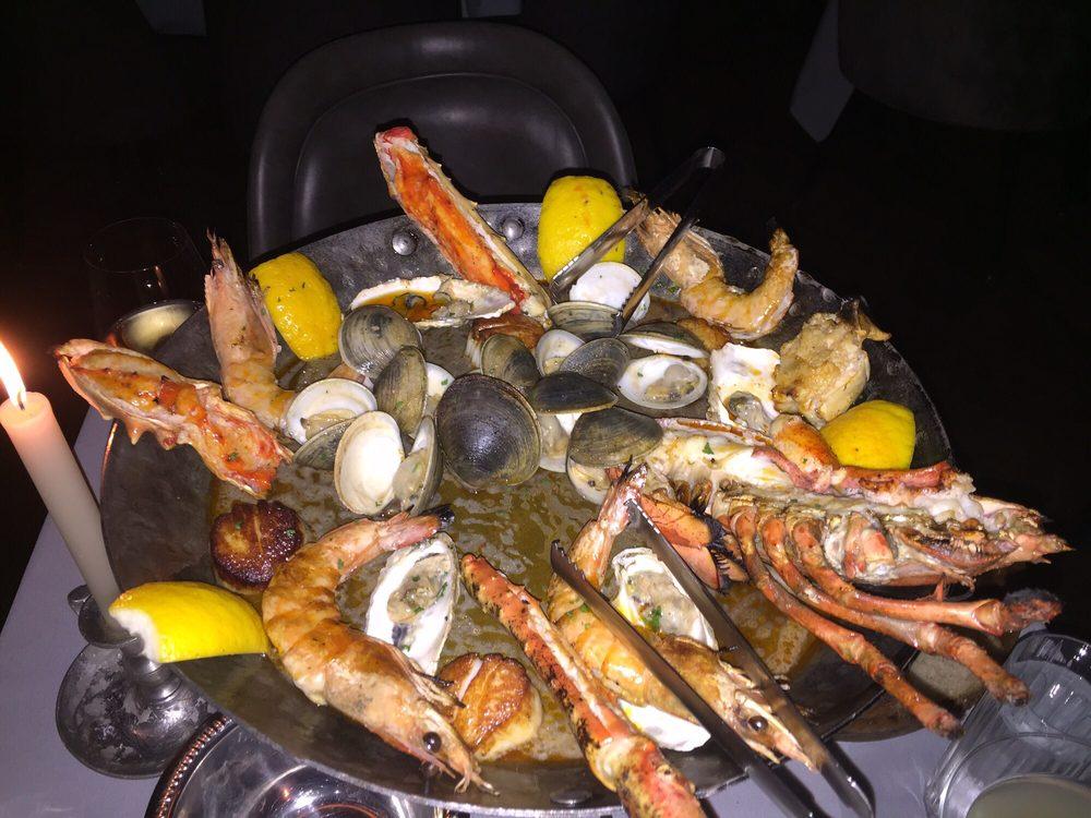 Maple & Ash - $$$, Gold Coast, Steak House, Seafood, Sidewalk Seating