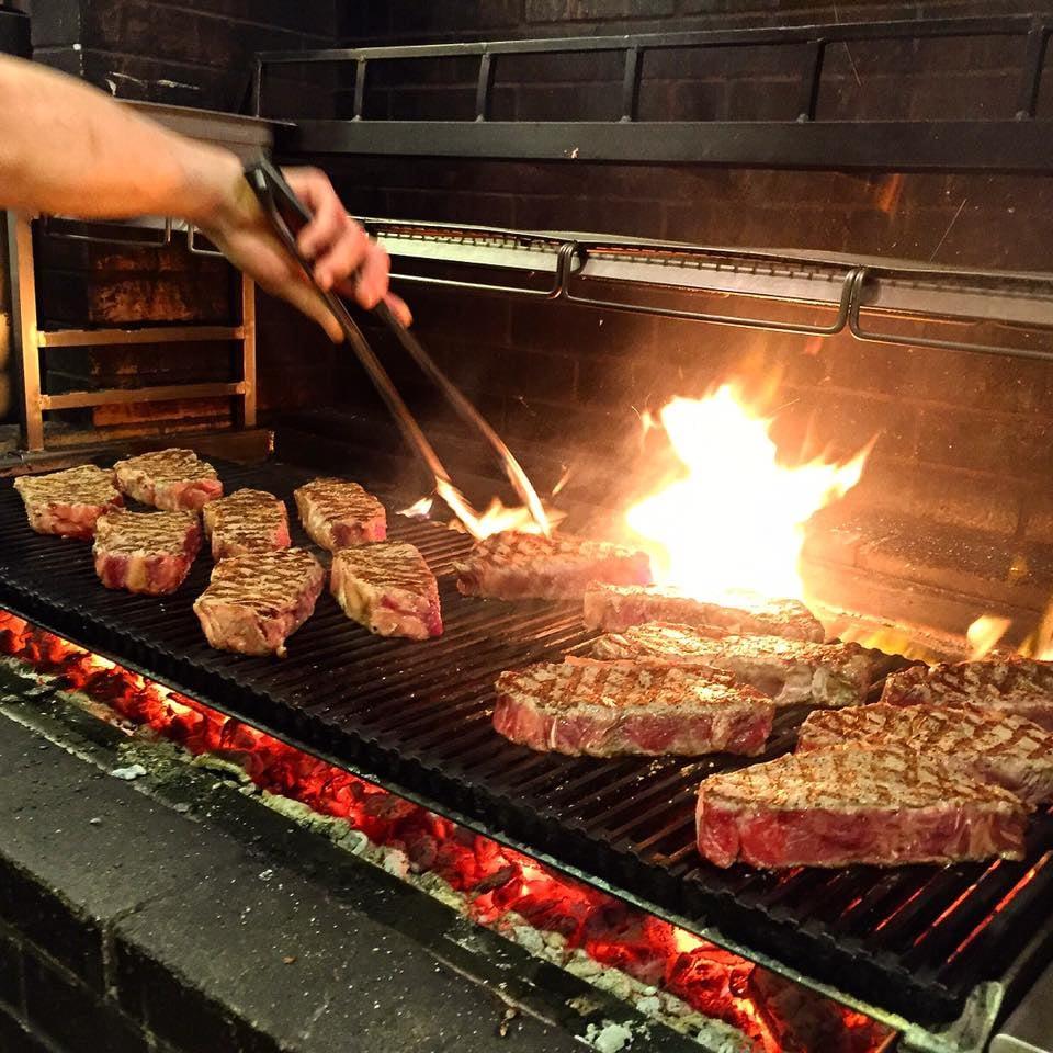 Maple & Ash - $$$, Gold Coast, Steakhouse, Seafood, Sidewalk Seating