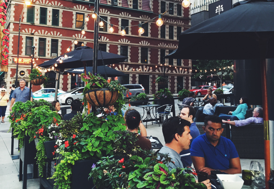 Siena Tavern - $$, River North, Italian, Gluten-free, Sidewalk Seating, Dog Friendly, Delivery