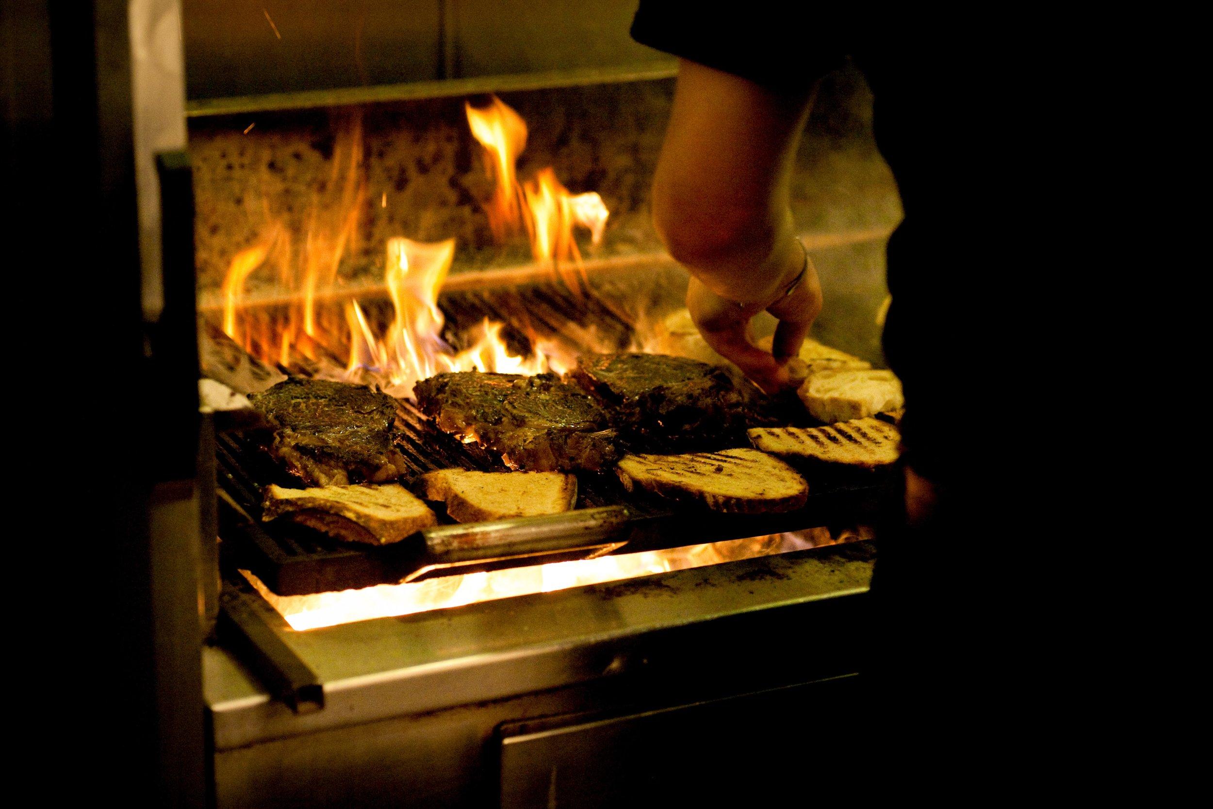 Gilt Bar_Steaks.jpg