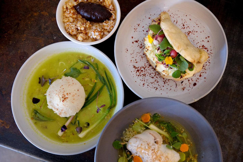 Mango Pickle - $$, Edgewater, Indian, Vegetarian. Vegan, Sidewalk Seating