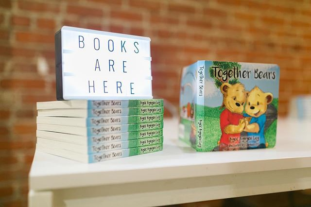 Back in stock on @amazon #togetherbearsbook #linkinbio 📷 by @dianalee_studio