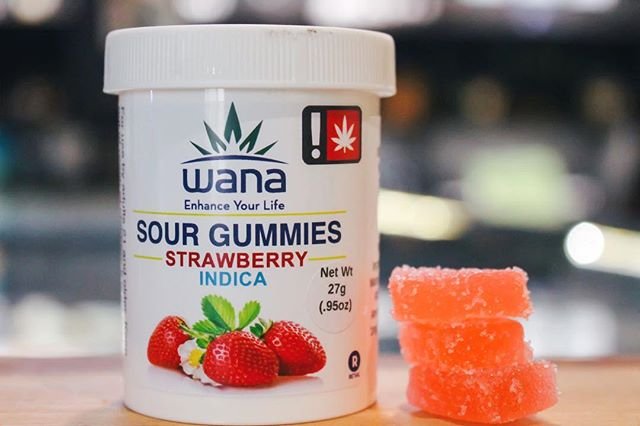 New indica gummies from @wanabrands_oregon 😍 •--------------------------------------------------------• Do not operate a vehicle or machinery under the influence of this drug. For use only by adults twenty-one years of age and older. Keep out of reach of children. ⚠️