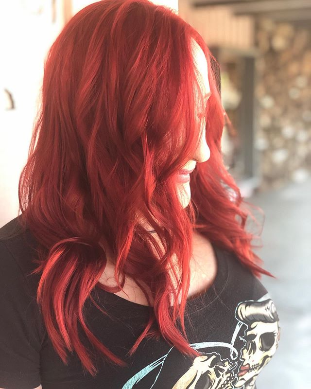 Scarlet fever! I've been doing a lot of reds lately, who said summer is just for blondes.