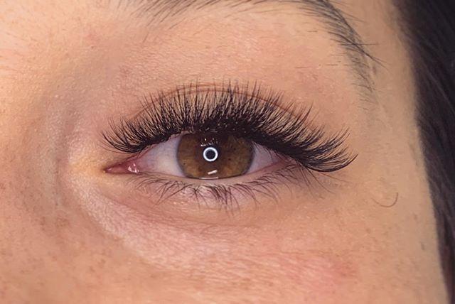 Have a fabu-LASH week 💕 • • • #lashes #lash #lashextensions #style #volumelashes #volumelashextensions #volumefans #volume #eyelashfan #nomakeup #browneyes #fullerton #placentia #brea #yorbalinda #ocsalon #behindthechair #americansalon #beauty #makeup #mua #lashes #lashstudio