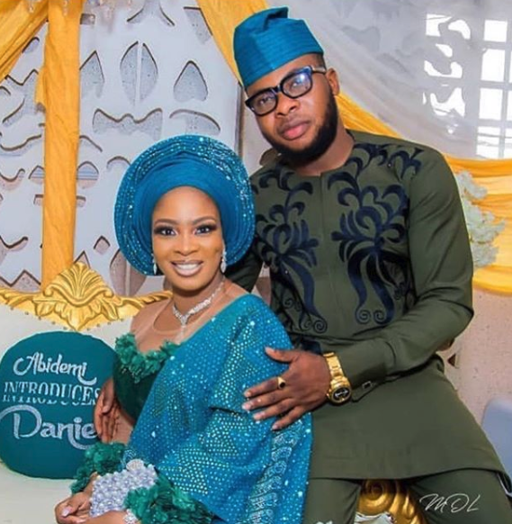 nigerian couple outfits ideas 2019-03-27 at 4.02.05 PM.png