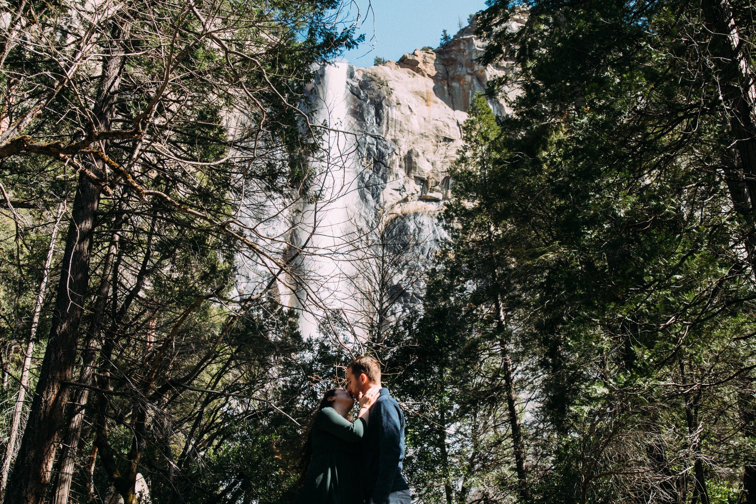 Yosemite Couple Portraits-2.jpg