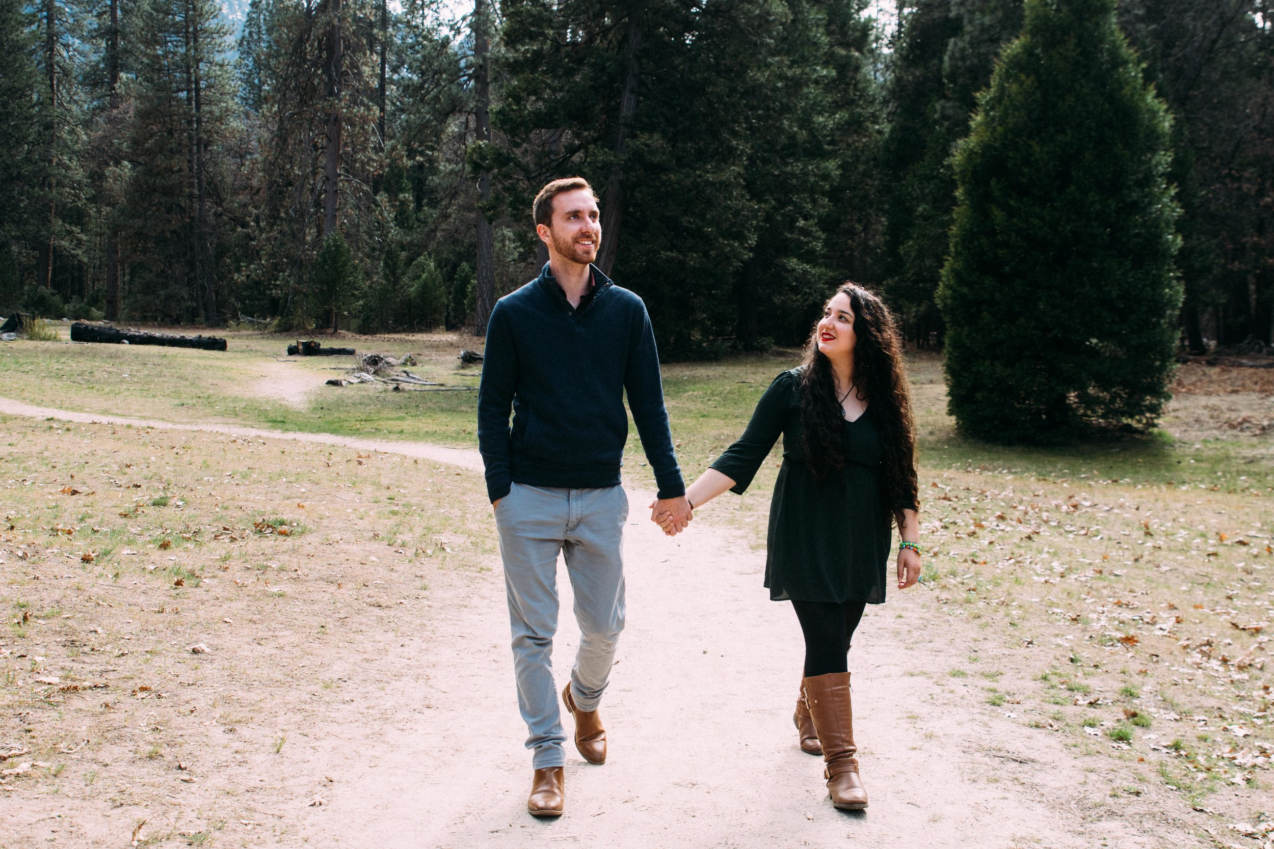 Yosemite Couple Portraits-3.jpg