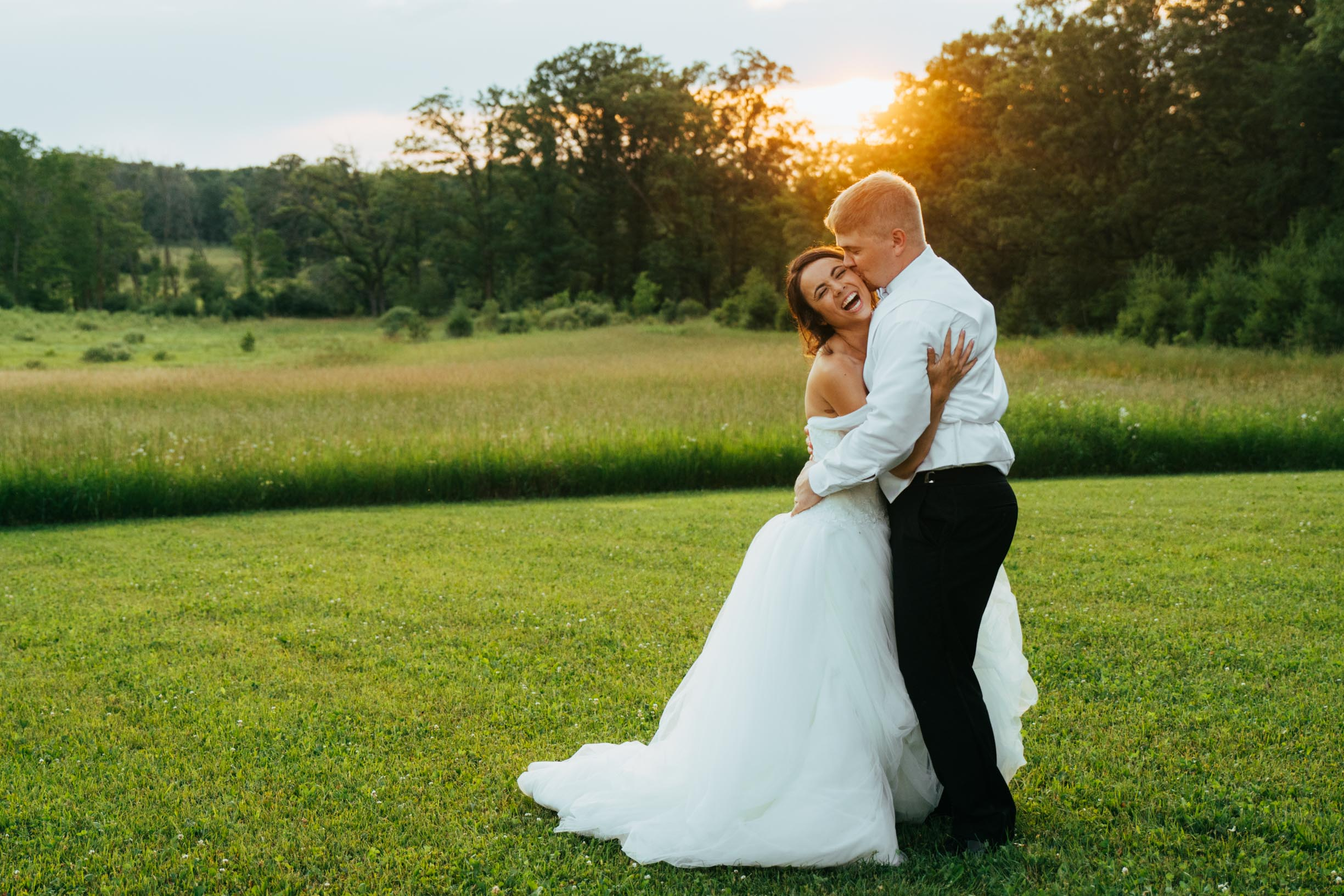 Minnesota_Bride_Groom_Portrait_Sunset_Portraits_Vineyard3.jpg