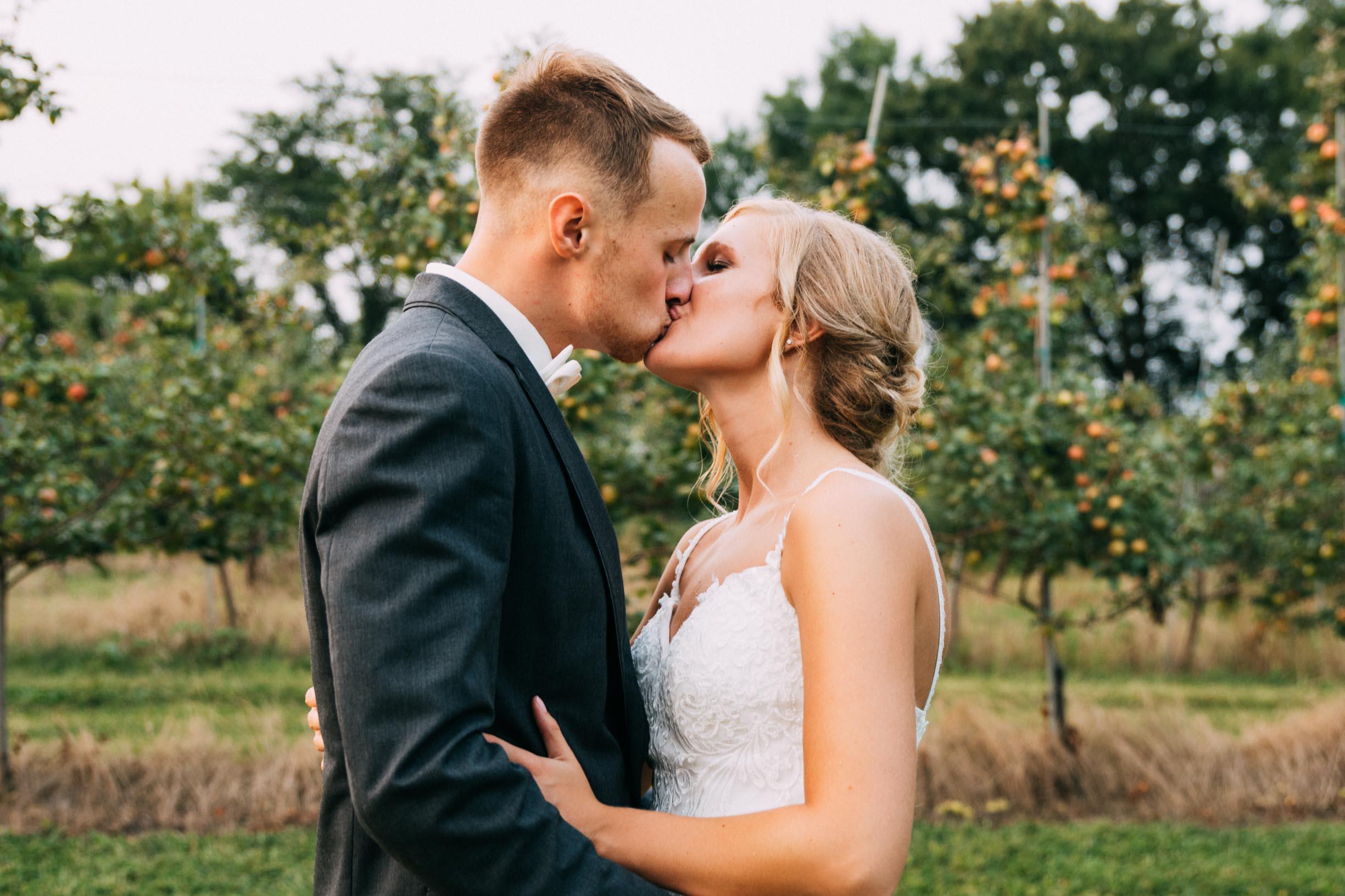 35-Minnetonka Orchards Wedding Ashley Bryce Blog.jpg
