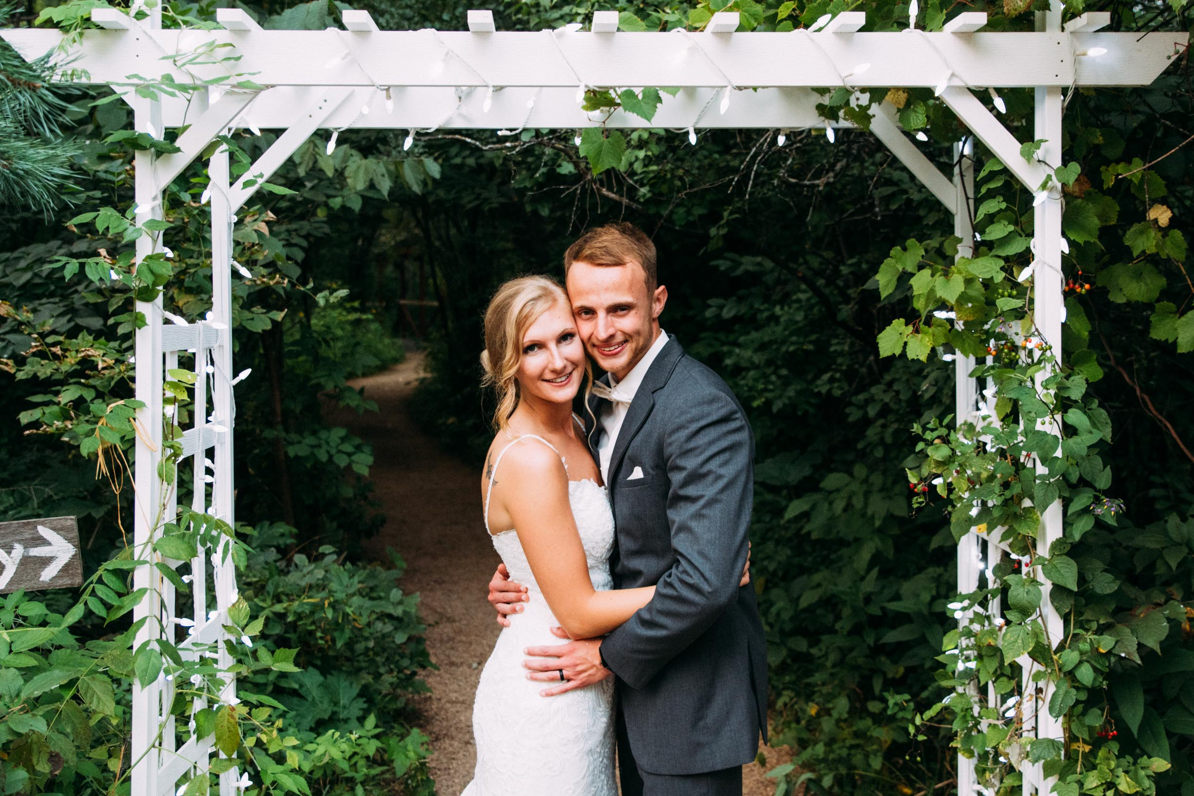 37-Minnetonka Orchards Wedding Ashley Bryce Blog.jpg