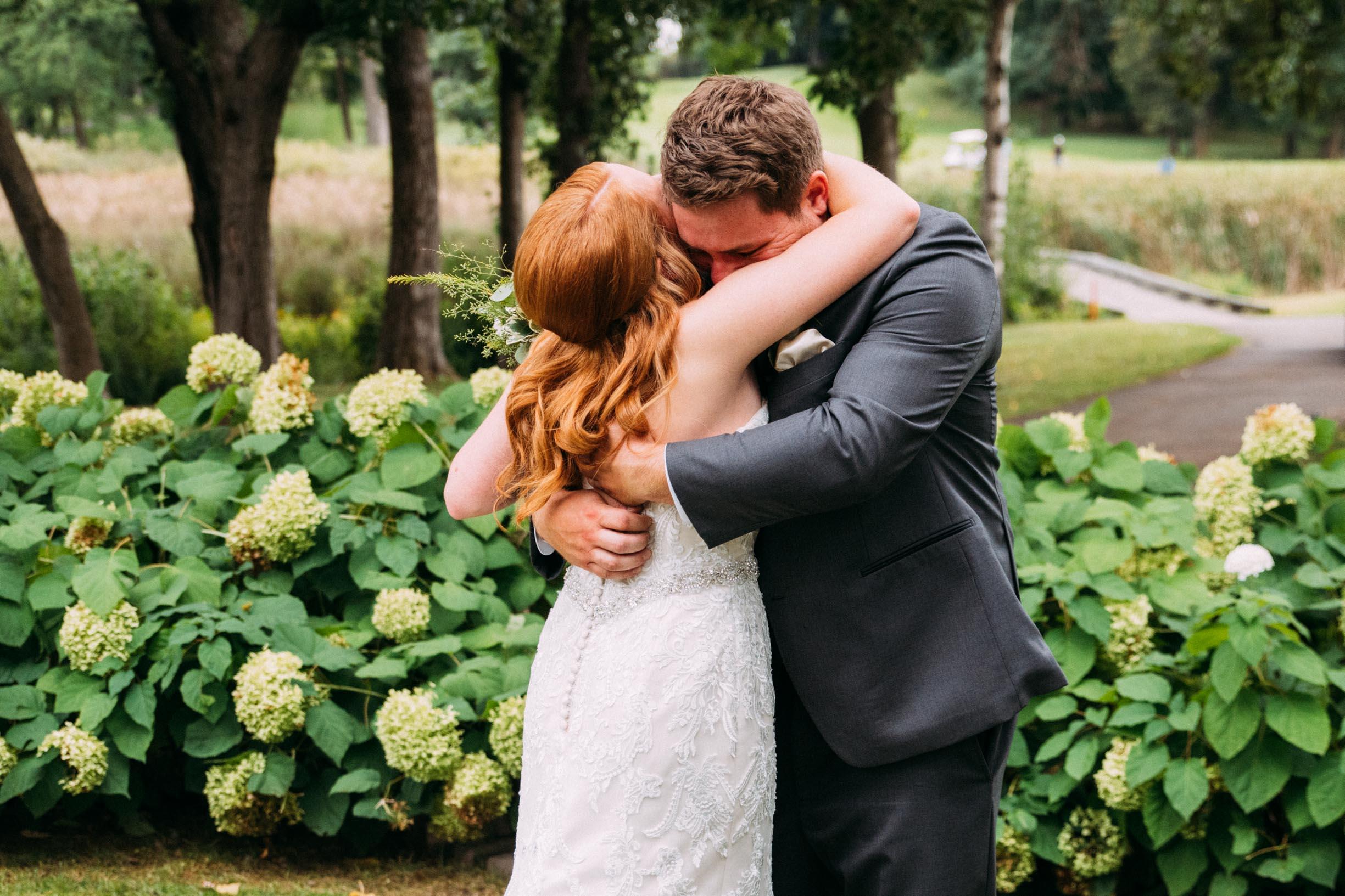 Megan_Zach_Minneapolis_Bearpath_Wedding_Blog-19.jpg