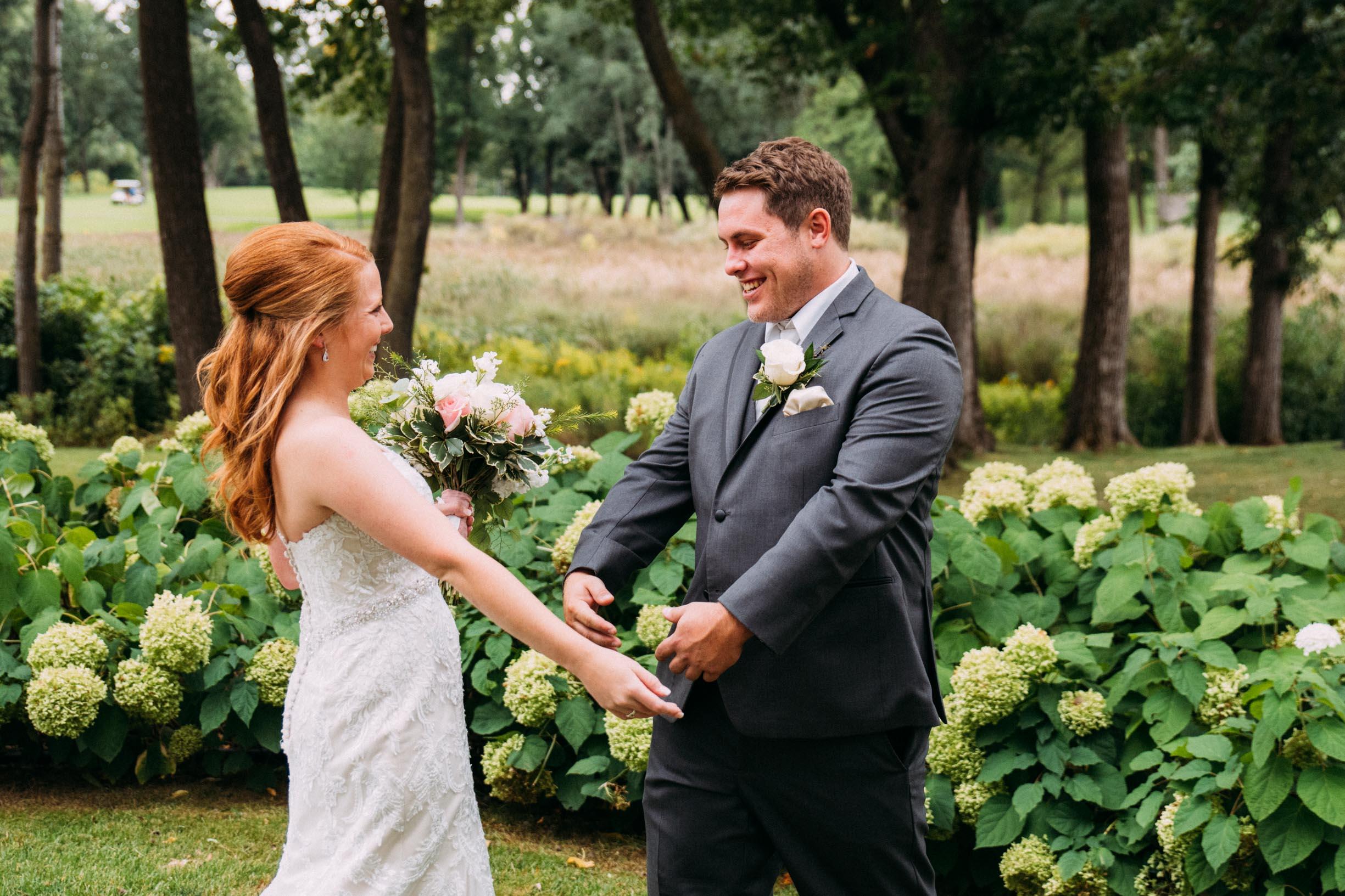 Megan_Zach_Minneapolis_Bearpath_Wedding_Blog-18.jpg