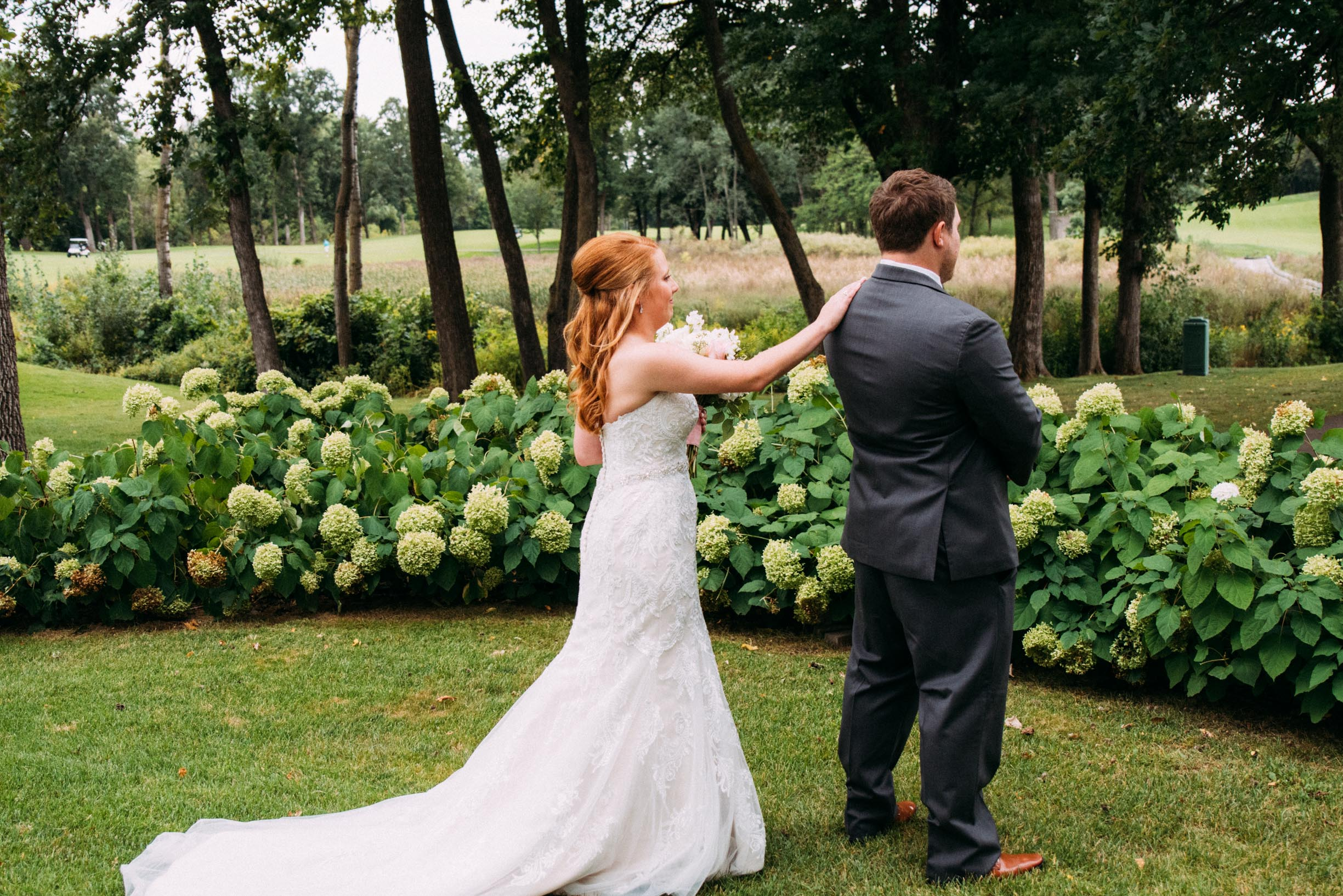 Megan_Zach_Minneapolis_Bearpath_Wedding_Blog-17.jpg