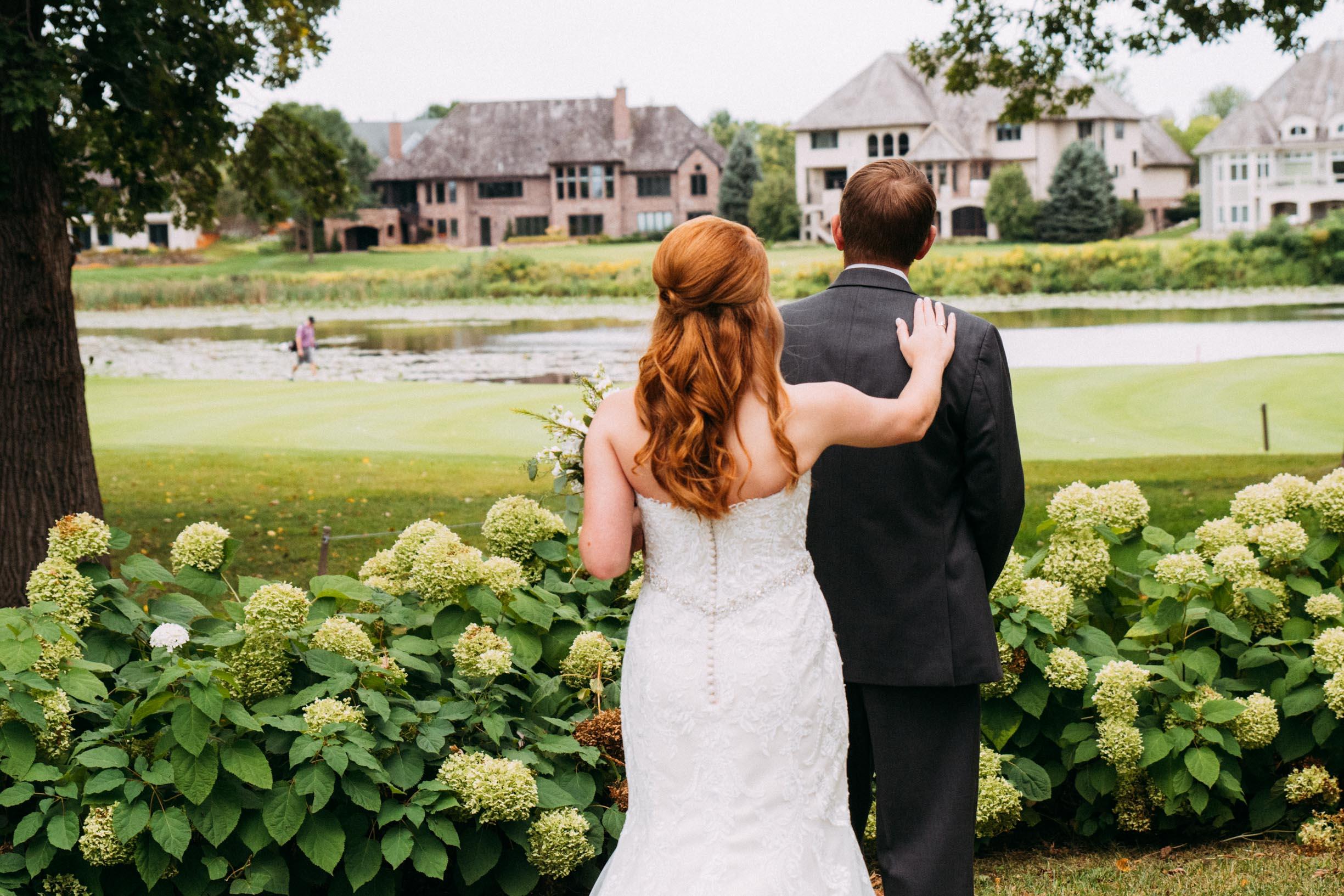 Megan_Zach_Minneapolis_Bearpath_Wedding_Blog-15.jpg