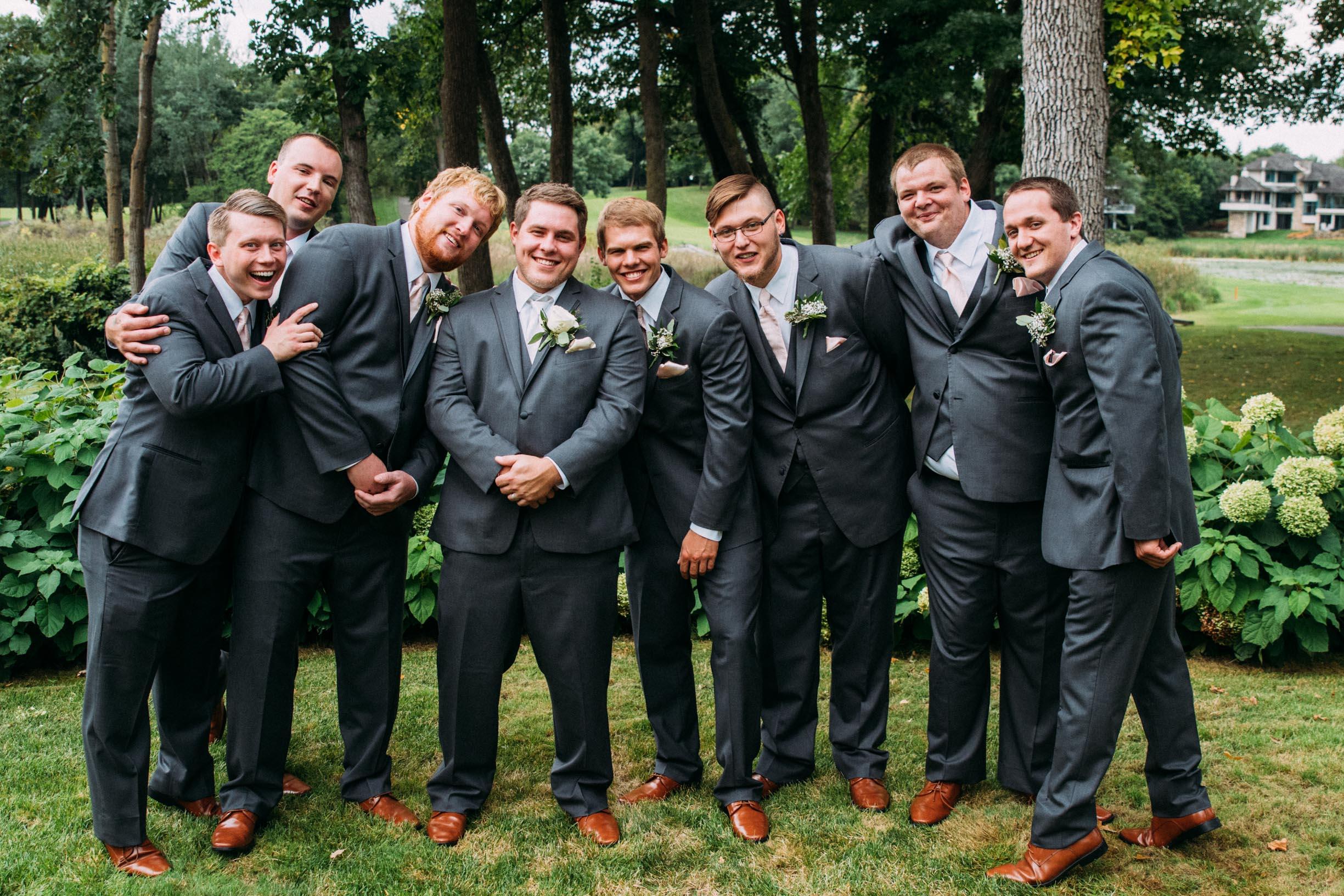 Megan_Zach_Minneapolis_Bearpath_Wedding_Blog-27.jpg