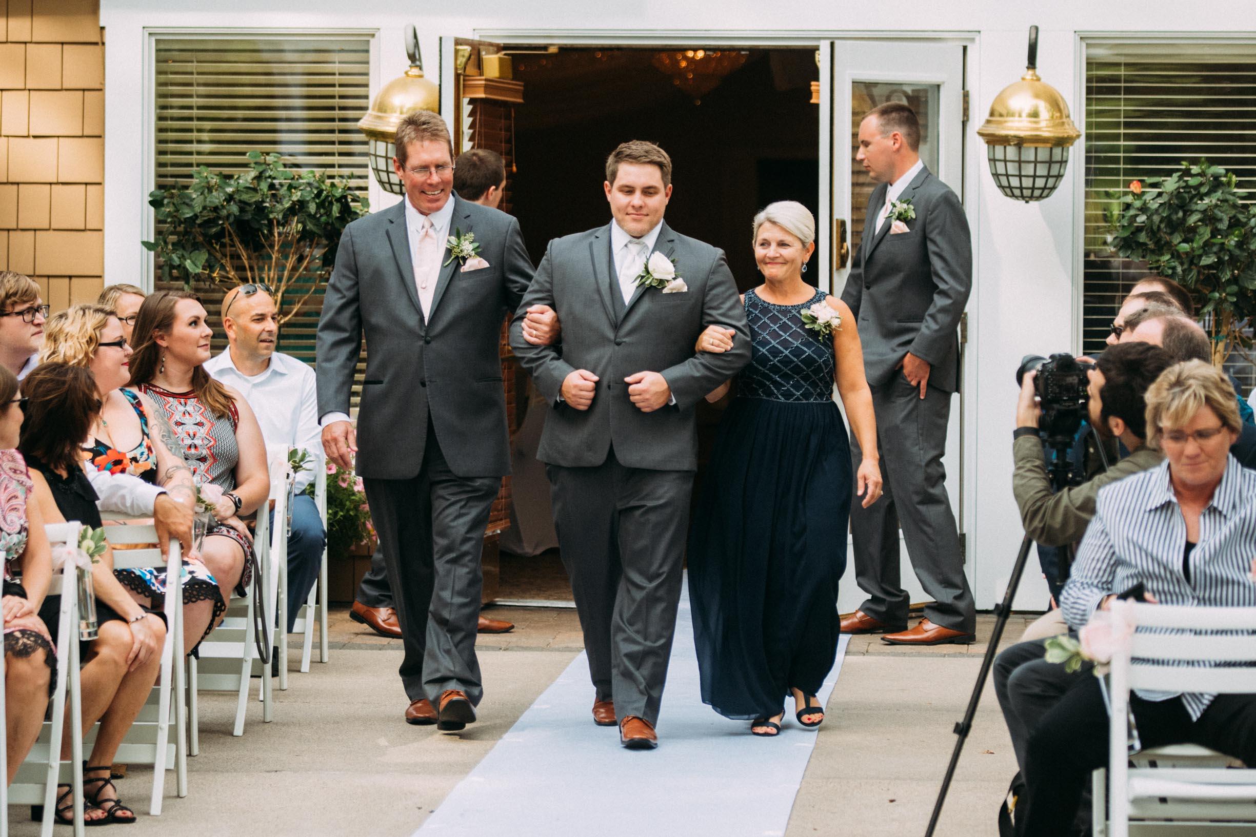 Megan_Zach_Minneapolis_Wedding_Ceremony_Blog-33.jpg