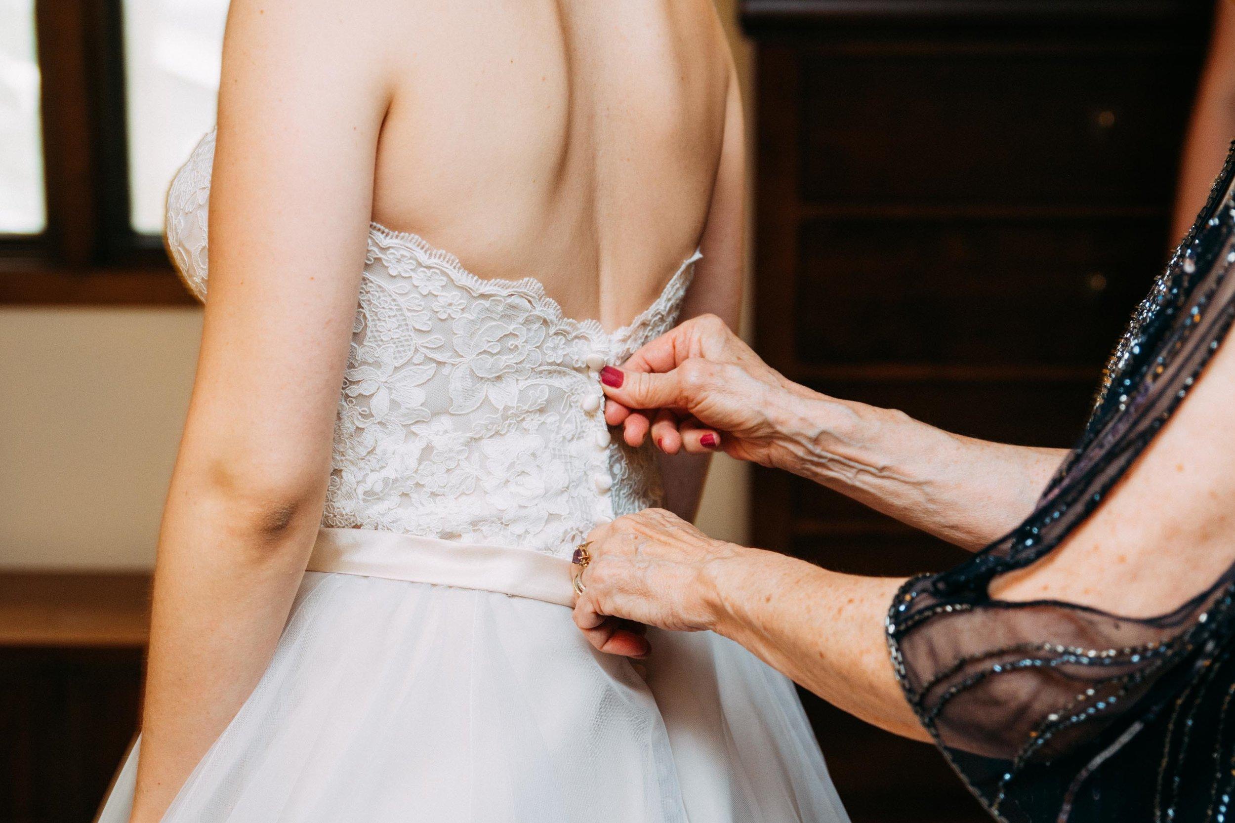 2-Sara_Tom_Getting_Ready_Wedding.jpg