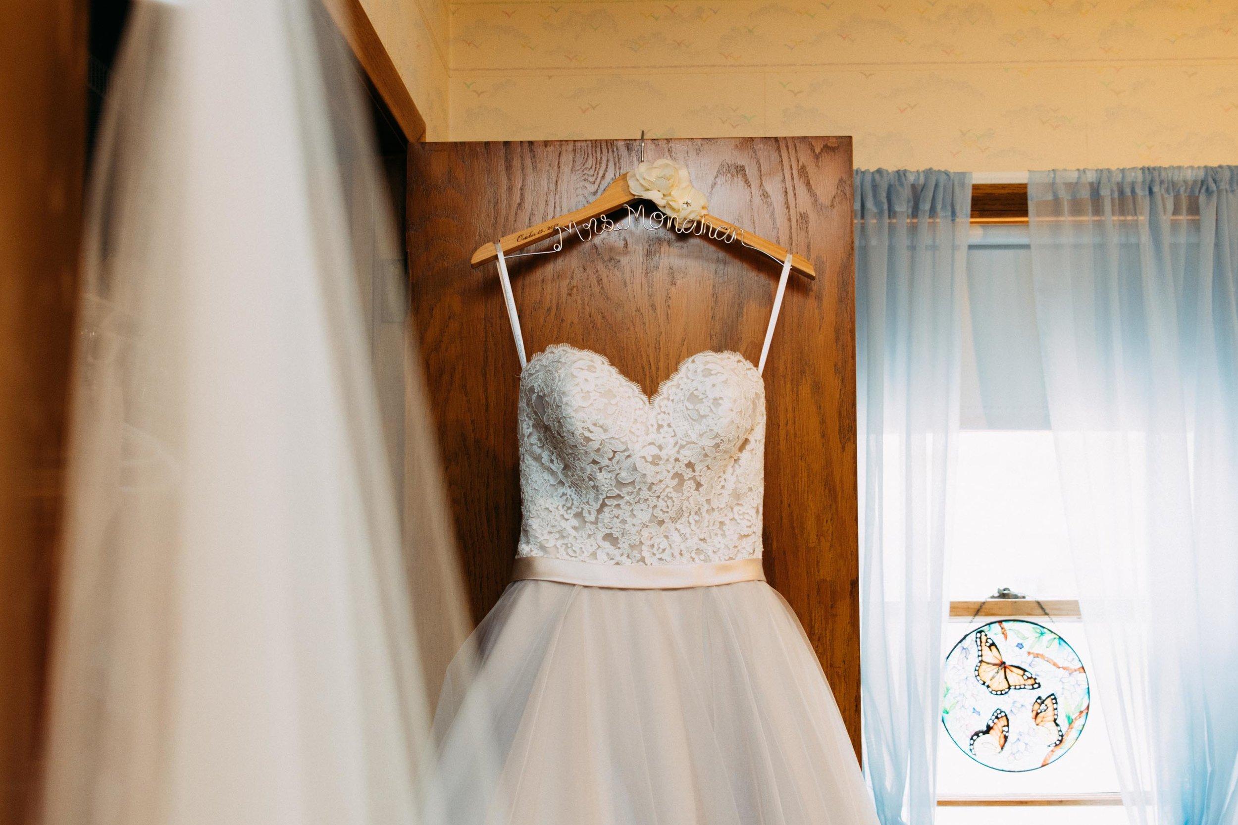 1-Sara_Tom_Getting_Ready_Wedding.jpg
