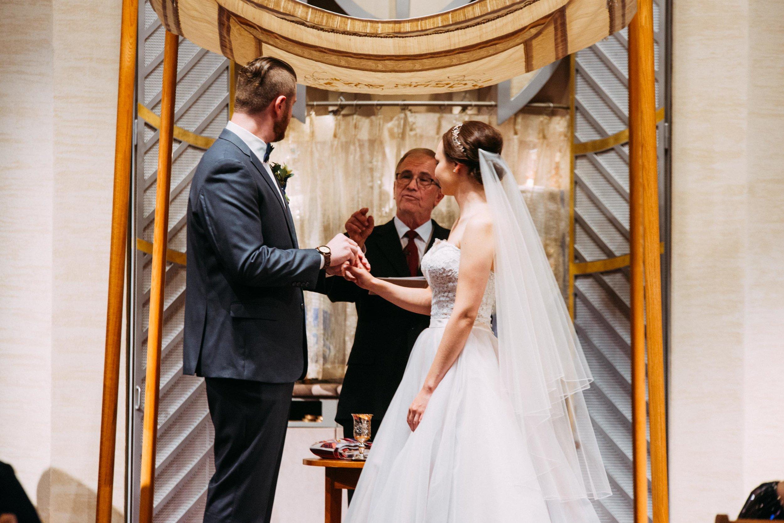 40-Sara_Tom_Minneapolis_Jewish_Wedding.jpg