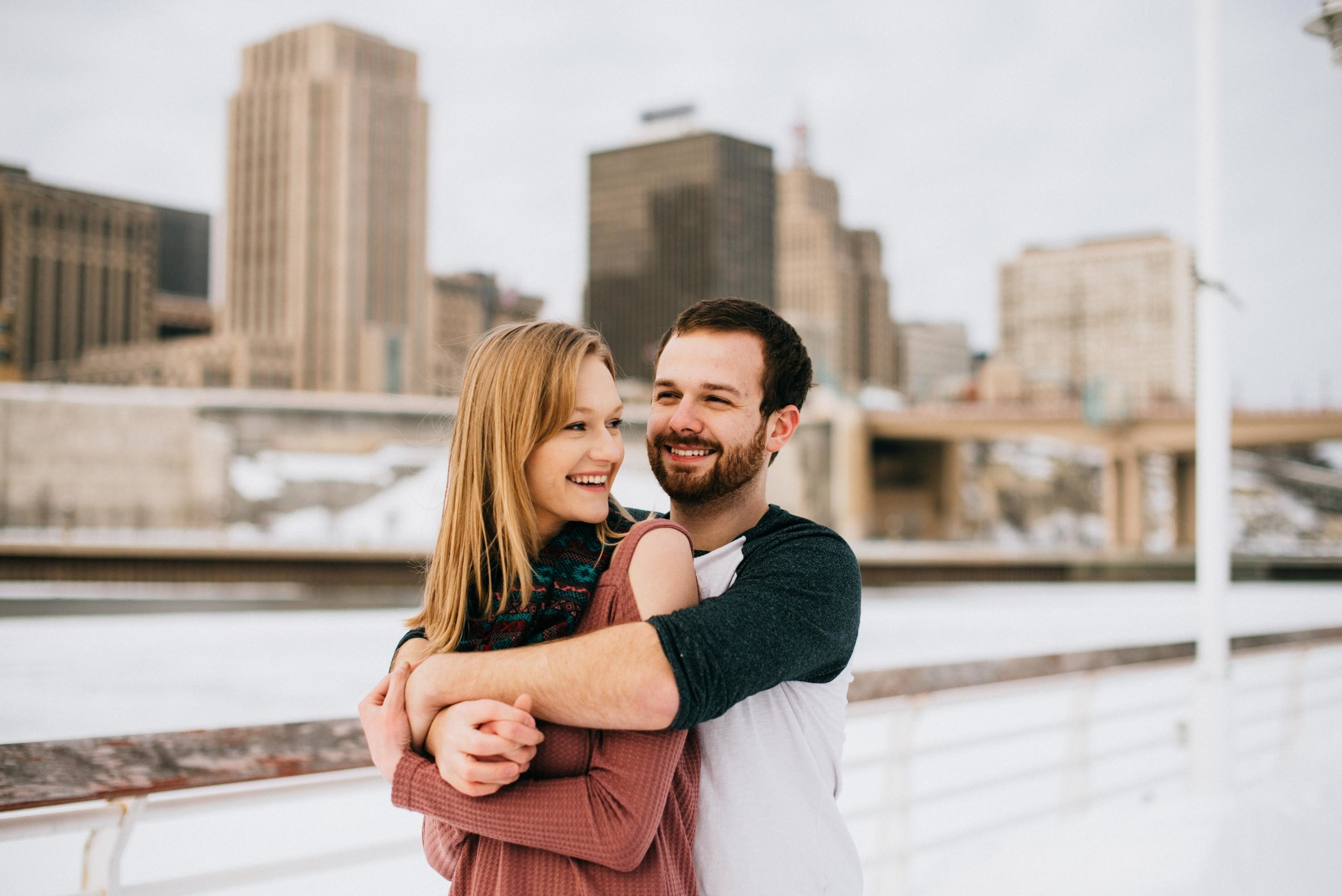 Cody_Mary_Saint_Paul_Winter_Engagement-3.jpg