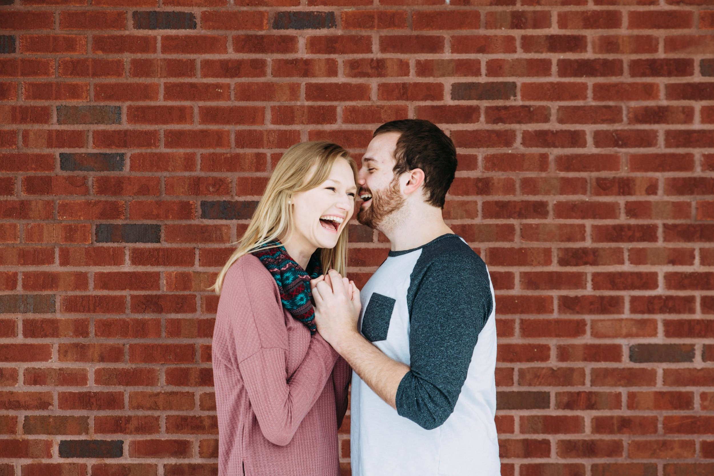 Cody_Mary_Saint_Paul_Winter_Engagement-1.jpg